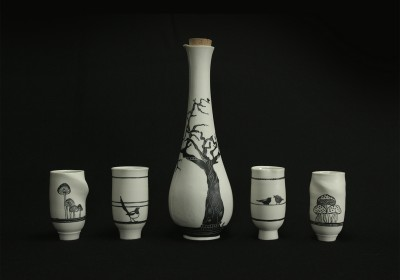 botella cerámica hecha a mano bosque