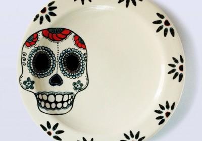 plato cerámica hecho a mano calavera flores