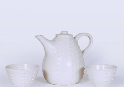 tetera de cerámica artesanal blanca