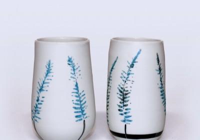vasos de chupito hechos a mano de cerámica flores azules