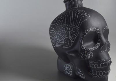 botella calavera porcelana teñida